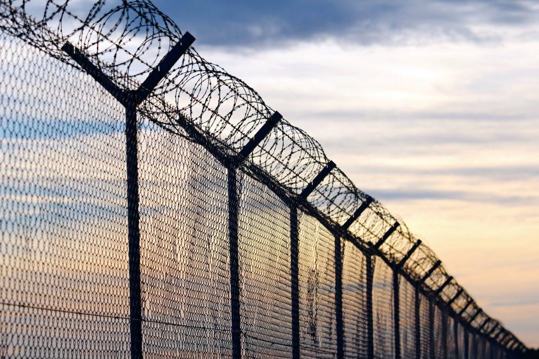¿Cuál es la diferencia entre cárcel y prisión en USA (jail vs prison)?