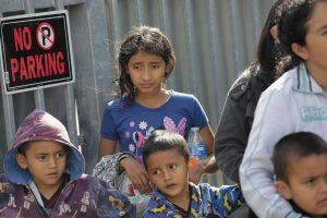 Inmigrantes detenidos en Texas por el ICE.